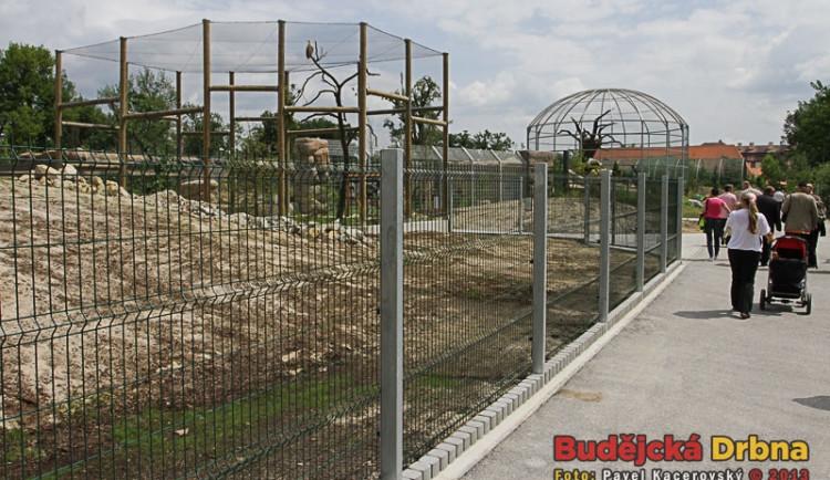 Areál Nová setkání se rozkládá na ploše jeden a půl hektaru