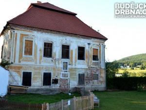Barokní budova, která by v budoucnu měla být kulturním a společenským centrem