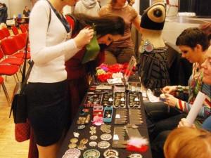 Tanečnice nakupovaly šperky ke svým kostýmům