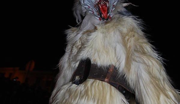 Masky váží až okolo třiceti kilo