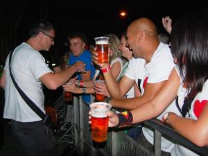 V prvních řadách neměli o pivo zdarma nouzi