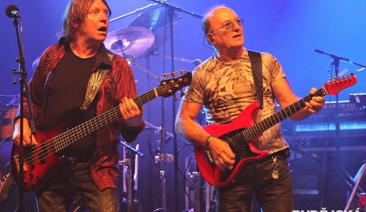 Petr Janda s Milanem Broumem (zprava)