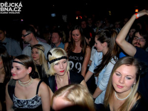 Klub K2 praskal běhen koncertu ve švech