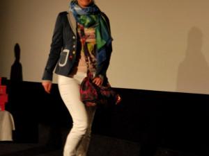 Paní Jitka si za svou odvahu na mole odnesla krásnou kabelku