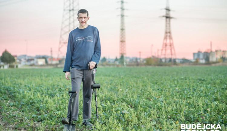 Detektorář Daniel Macek hledá historické cennosti