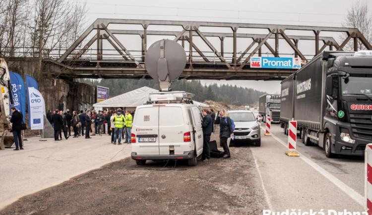 Zahájení výstavby nového úseku dálnice D3 mezi Ševětínem a Borkem.