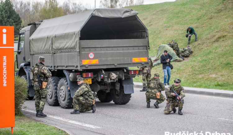 Safeguard 2017 - cvičení vojáků, policistů a specialistů ČEZ na ochranu Jaderné elektrárny Temelín proti teroristickému útoku