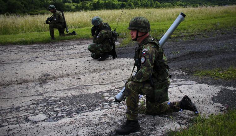 Američtí vojáci cvičí s protiletadlovými systémy AVENGER