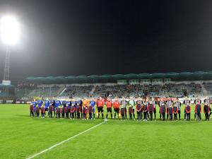 Nástup obou mužstev ve šlágru 14. kola Fortuna národní ligy sledovaly více než dvě tisícovky diváků