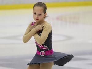 Devítiletá krasobruslařka Sofie Veselá