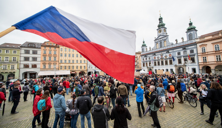 Protest na budějckém náměstí