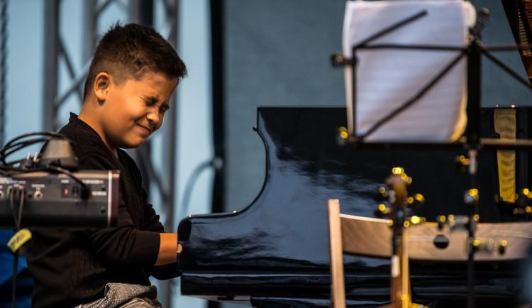 Na Piaristickém náměstí proběhl devátý ročník jihočeského jazzového festivalu