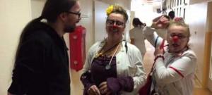 Zdravotní klauni na návštěvě dětského oddělení budějcké nemocnice
